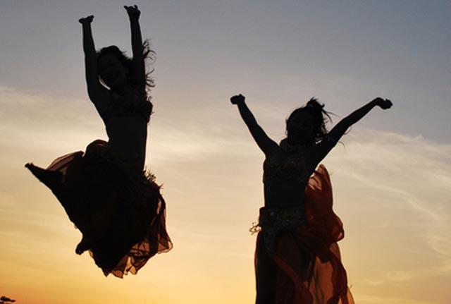 ベリーダンス初心者が知っておくべき、その歴史とジャンルとは?