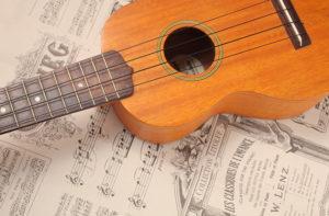 実は簡単?ウクレレ初心者にこそおすすめの楽譜、タブ譜の読み方