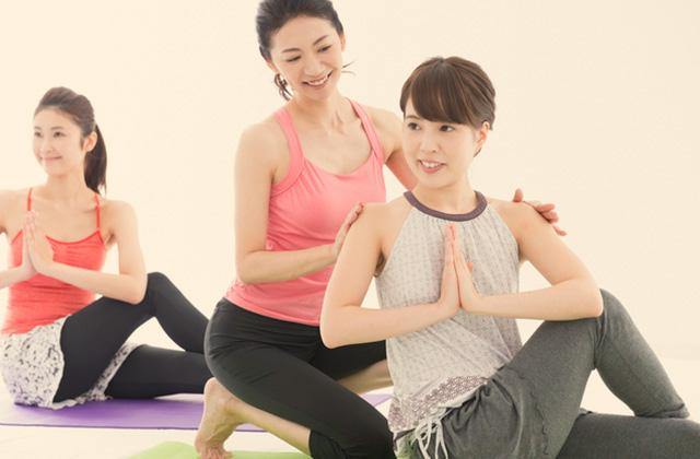 実はヨガは腰痛や肩こり改善に効果あるって知ってました?
