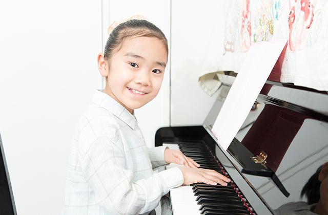子供にこそピアノを習わせるべき理由と、何歳からピアノを始めるべきか