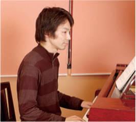 ピアノ弾き語り|弾きながら歌えたらどんなに楽しいことでしょう。表現する喜びを