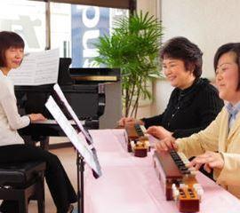 大正琴|レベルに合わせてレッスン可能。どなたでも親しみやすい大正琴を、仲間と一緒に楽しみましょう。