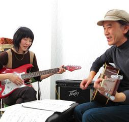 ギター|クラシックからポピュラー、弾き語りまで幅広く指導いたします。