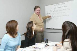 プロの講師に学ぶ少人数制!ドイツ語グループレッスン