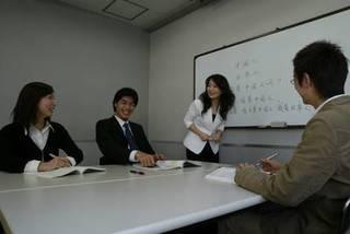 プロの講師に学ぶ少人数制!中国語グループレッスン