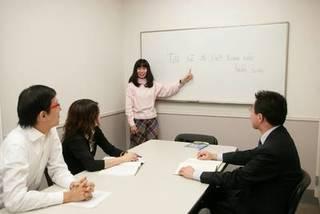プロの講師に学ぶ少人数制!ベトナム語グループレッスン