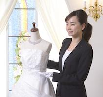 花嫁に素敵なウエディングドレスをコーディネイトしよう♪ウエディングデザイナーコース