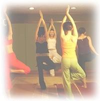 水曜朝は《やさしいフローヨガ / Flow Yoga》