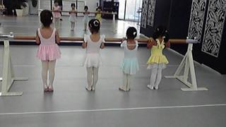 クラシックバレエ■幼児クラス「3歳からの初めてバレエ」