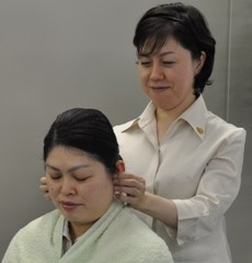 高いリラックスと鎮静効果を促進「イヤー(耳)リフレケア」