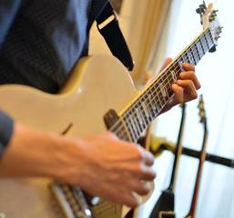 CUEギター教室&nbsp【大阪市西区江戸堀】