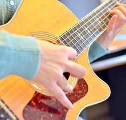 【初心者に優しい】ギター(アコースティック・ギター エレキ・ギター)レッスン♪