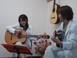☆名古屋の、ギター専門店のギターコース!
