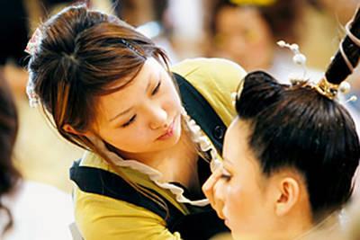 中日美容専門学校