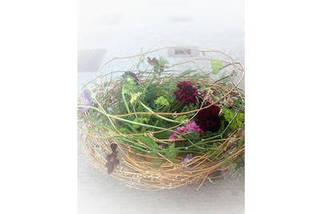 季節感のあるデザインと新鮮な花材が好評!! レギュラーコース