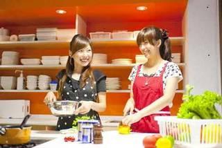 初心者から料理自慢の方まで、プロのシェフから料理が学べます