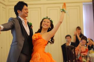 ウェディングファーストダンス  ファーストバイトではなくファーストダンスで2人の初めての共同作業!!
