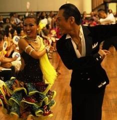 名古屋星ヶ丘で若者社交ダンスサークル 楽しくみんなで汗をかこう