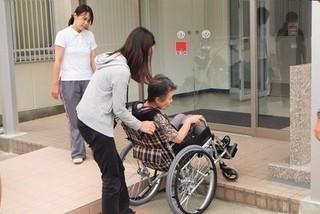 介護の資格◇資格取得応援! 介護職員初任者研修11月1日 開講。