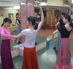 【全く初めての人が習うならココ!】【初心者専門教室】渋谷でフラメンコ体験♪