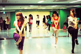 【渋谷】女性に人気のK-POPクラス♪平日夜・日曜開校!【体験料2160円】
