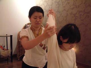 施術体験&プチレッスン【タイ古式マッサージ科 体験コース】