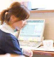 【通信】調剤薬局事務(合格保証付き)+コンピュータセット講座 / 最短3ヶ月で資格取得!