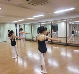 岡本るみ子バレエスタジオ&nbsp久米川教室
