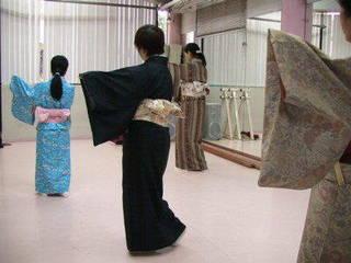 ♪みんなで楽しく!ダンススタジオで学ぶ日本舞踊♪