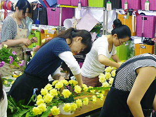 フラワー装飾技能士(1級) は当装飾技能士指導校で。早割で激特。8年連続東京都合格者、当校がNO1数
