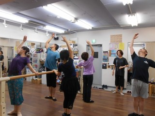 ♪渋谷駅近か・大人から始めるバレエ入門クラス・・土曜日午後