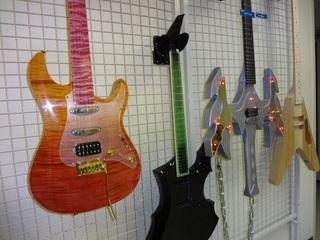 製作修理本科 エレクトリックギター&ベースコース