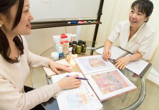 失敗しないサロン経営には、リピート率を上げることが重要!!それには「実践で使えて話せる皮膚科学講座」