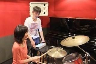 ドラム科☆楽器未経験者にオススメなドラム!簡単に音が出るし、気軽に始めてみては?
