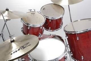 【ドラムレッスン】体験の日に入会で電子ドラムプレゼント中!初心者・未経験者の方、大歓迎です!