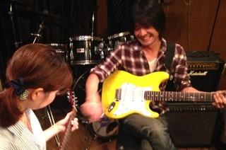 ギターレッスン!新宿ドラマリン音楽教室!!