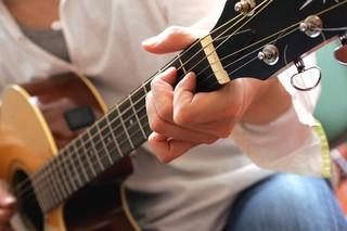 あたたかい音色が魅力【アコースティックギター】