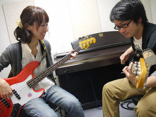 バンドの要!【エレキベース】