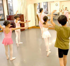 子供のための児童クラシックバレエ〈ワガノワメソッド〉