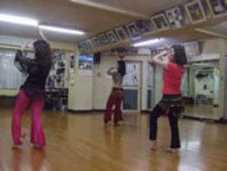 大久保(STUDIO 1002)でベリーダンスの体験レッスン!