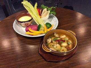 カフェ体験授業「彩り野菜のバーニャカウダとエビとマッシュルームのアヒージョ」