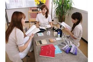 【プチ学】ベーシックアロマコース/1回32400円