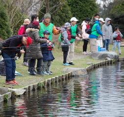 【開催日】 平成29 年3 月25 日( 土)  「釣りはじめて親子」のための釣り教室