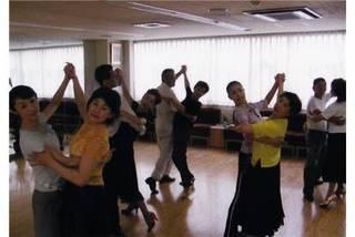 初めての社交ダンス すぐに踊れる社交ダンス