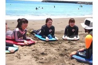 泳げなくても大丈夫!少人数制の体験ボディボードレッスン