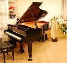 静かなお部屋でグランドピアノとともに~あなただけのプライベートレッスンを~シニアコース