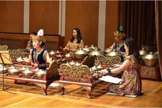 中部ジャワの伝統音楽ガムラン、青銅打楽器によるオーケストラ