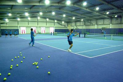 横浜テニスカレッジ