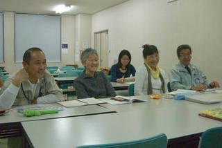 講師は福島大学留学生、留学生と楽しく学びます