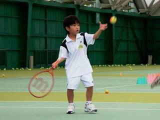 楽しくテニスをはじめよう♪♪【キッズクラス】